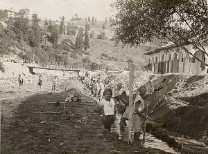 Работа по подпорната стена на реката в Момин проход сигурно е някъде към 1931г.